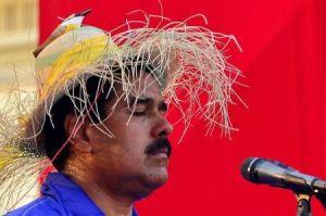 Nicolas-Maduro-con_Pajaro_450Px
